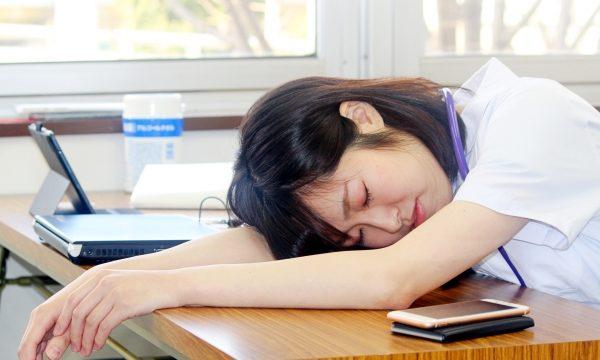 「看護師やめたい」の声:「残業が多くて。。②」 イメージ