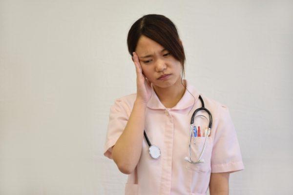 外国人患者に手術前の飲み薬を片言の英語で伝えたが、飲んでいなかった|看護師インシデントアンケート イメージ